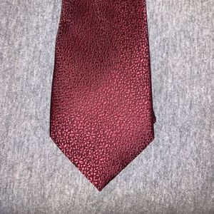 Burgundy men's tie (new with out tag)